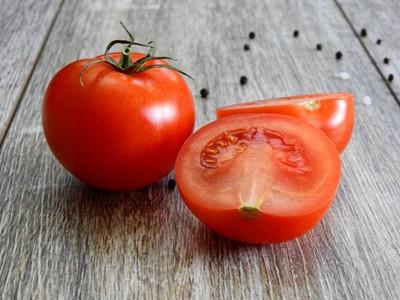 番茄「生吃vs.熟食」哪個好?醫揭答案…網驚呆了 這5種人要少吃