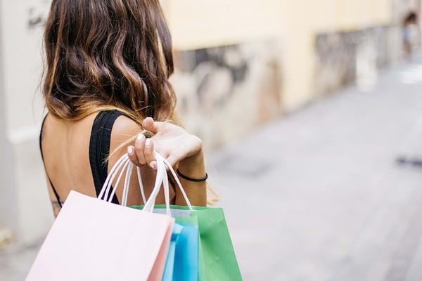 ▲▼購物,血拼,買東西,逛街,選購。(圖/pixabay)