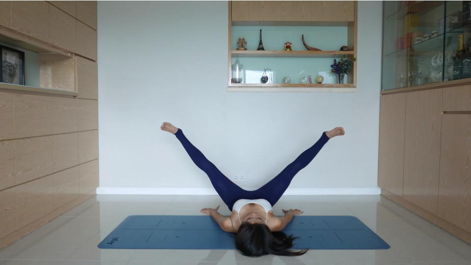 1個月超快瘦大腿!網友只做5次大驚。(圖/翻攝自coffee林芊妤Youtube)