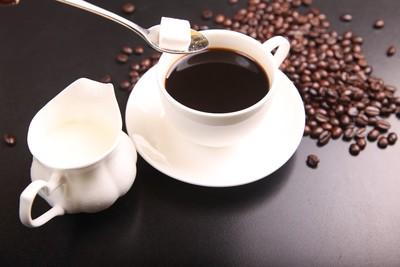 煩躁又想吐!醫曝「咖啡因上癮」症狀...超過5個=中毒了