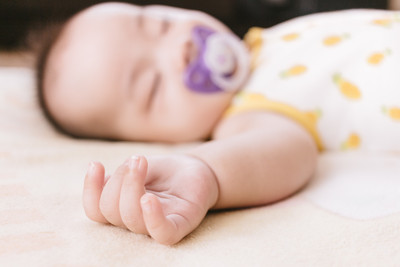 新生兒衣別放樟腦丸!1歲蠶豆症童付「慘痛後果」...父母絕對要注意