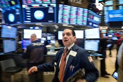 美股道瓊重挫414點!連續3次大跌 2008年金融風暴「週線最大跌幅」