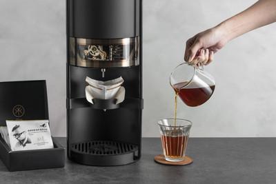 開賣半小時訂單破100萬元的「手沖咖啡機」 內建世界冠軍
