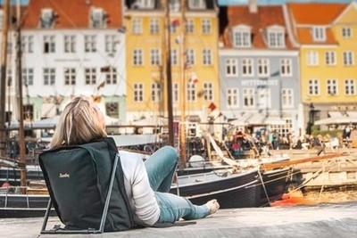 能夠「席地而躺」的旅行背包 全世界都是你的休息室