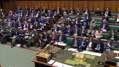 英國脫歐草案辯論三度受挫 過半議員支持公開法律建議