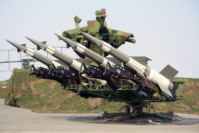 美給俄兩條路:核武拆除或修改射程 若遭拒將退出INF