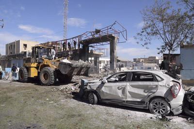炸彈貨車衝警察總部!伊朗大港自殺恐攻 至少3死28傷
