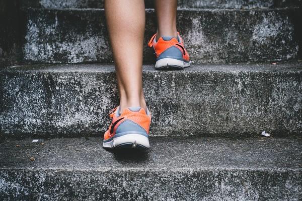 ▲樓梯,運動。(圖/取自免費圖庫Pixabay)