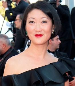 涉非法收受利益 法國韓裔前文化部長裴樂菡遭查查