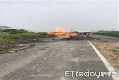 影/屏東萬丹泥火山爆發 滾燙泥漿挾火焰...路損玉米田毀