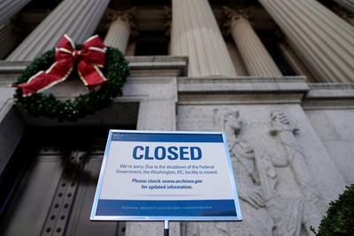 美政府持續關門!80萬聯邦員工擔憂房租 他養遲緩兒精神耗竭