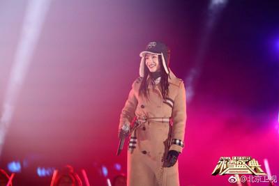 張韶涵穿「2件外套、2件上衣、3條褲」開唱 網:論瘦的重要,我自帶好多層