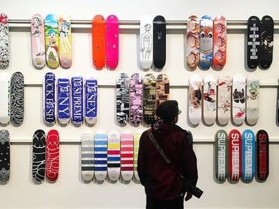 瘋狂收藏家拍賣20年來的Supreme滑板 總價值高達台幣3千7百萬