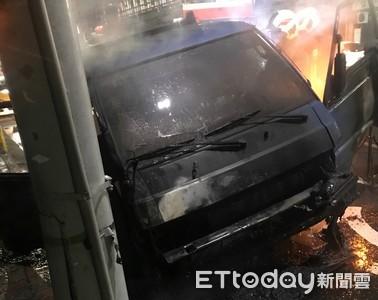 「同夥不給錢加油」 2笨賊偷貨車開到沒油乾脆燒掉