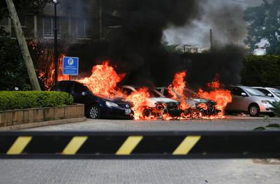 肯亞奈洛比恐攻「槍手闖飯店大廳自爆」15死 槍戰9hrs美英公民喪命