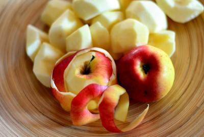 蘋果帶皮吃最好!營養師推「空汙護喉」飲食法...你也快咳出血了嗎?