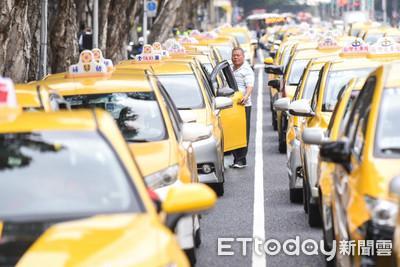 1hr↑才能叫車!租賃車業揚言萬人抗爭「Uber條款」 小黃反擊:真是夠了