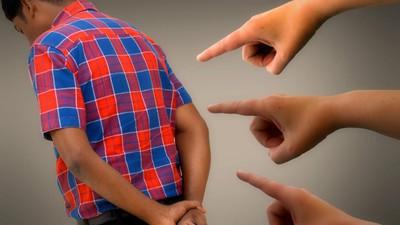 「為何別人可以你不行、真後悔生你」 父母「言語暴力」調查:近7成走不出陰影