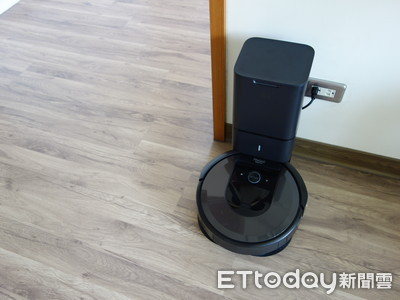 懶婦開箱/掃地機器人自動清空集塵盒 Roomba i7+ 讓妳遠離倒垃圾人生