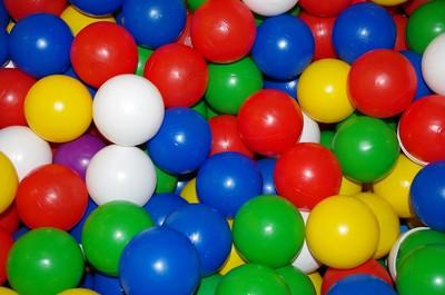 6歲孩遊樂場找到古柯鹼 「球池又藏另一包」…媽氣壞報警