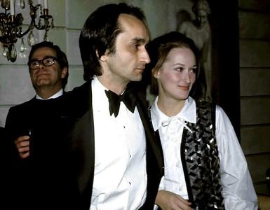 他曾幫梅莉史翠普「癌逝男友」默默做暖舉!影后30年後回憶仍淚崩
