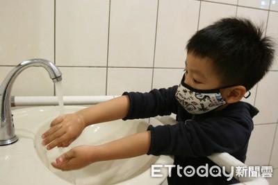 流感、腸病毒仍高峰!家長連署「帶薪陪病假」網友推:無後援家庭超需要