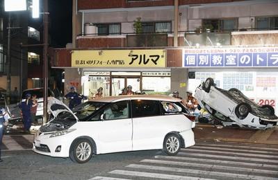 福岡十字路口車禍2死6傷 目擊婦:聽見男人喊「救救我」