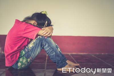 15歲少女屋簷下躲雨...色男邀上車竟出手性騷 她怒喊「不要弄我」驚險逃脫