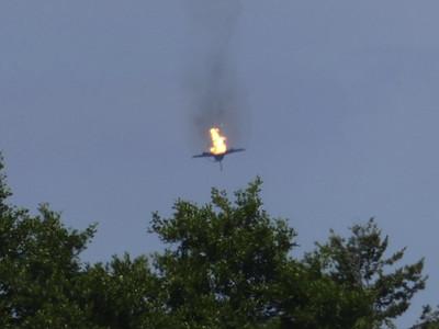 火球從天降 ... 德國2架颱風戰機「相撞墜毀片」曝光!1飛官身亡