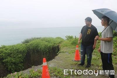 花蓮鹽寮海岸出現「10米深天坑」 台11線路基掏空逼近海岸