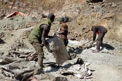 剛果東南部礦場坍塌 至少43名非法礦工死亡