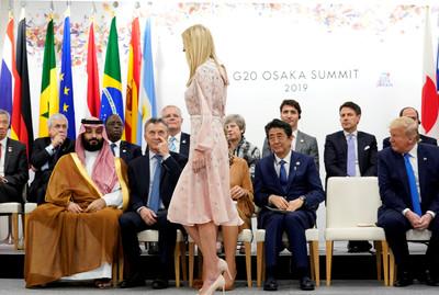 G20唯一共識!她飄仙氣走過「各國領袖看呆」  網讚:正妹救世界