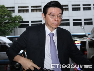 管中閔懲戒案出庭 證人裴偉證實管任政務官期間仍領稿費