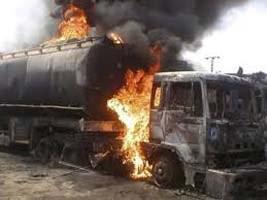 奈及利亞油罐車爆炸起火 至少50死70人輕重傷