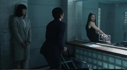 ▼堺雅人在劇中飾演機車古怪的嘴賤律師。(圖/翻攝自naver)