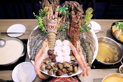 海鮮盆超狂!台中痛風火鍋有8種湯底 龍蝦比手大、鮮甜彈牙