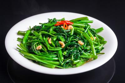 蔬菜清蒸、水煮、快炒哪種好? 專家曝「鎖住營養」關鍵...選對超抗癌