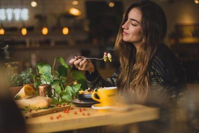 秋冬來了食慾大開 不用餓肚,吃飯掌握2重點HOLD住身材