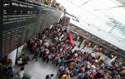 三寶旅客轉機「亂入管制區」 慕尼黑機場為他關閉4小時…130航班取消