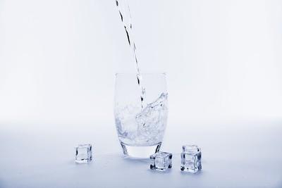 非冰水不喝!醫曝「體內廢物太多」導致...4原因小心腸胃塞住