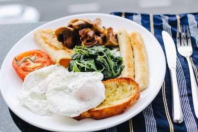 吃對鏟肉有感!早餐配「6減肥食物」效果倍乘...久了腰線全回