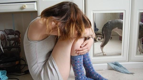 ▲▼女人,女性,崩潰,哭,難過。(示意圖/pixabay)
