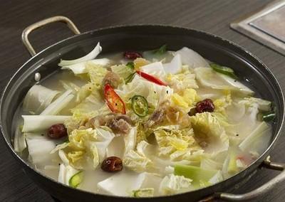 喝高麗菜湯「一周甩6kg」?醫曝「脫水沒減脂」失衡...恐酮酸中毒