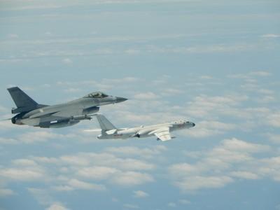 尤里安/外籍軍機繞台 我方可比照日本防衛省辦理?