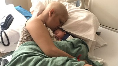 懷孕初期罹乳癌…醫勸優先治療 婦堅持生下「奇蹟之子」