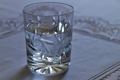 醒來胖成米其林!醫揪水腫問題出在「膀胱、腎」3問題:不喝水更糟