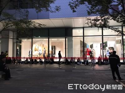 H&M聯名精品今開賣人潮慘 30人排隊與去年百人盛況差很大