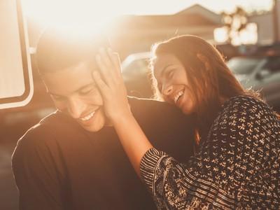 過了「愛情保鮮期」就冷淡?4招幫你點燃激情、找回熱戀感