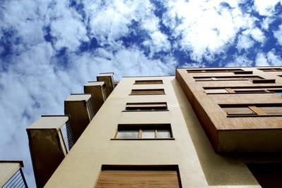 天花板加高到2.8米!泰國建案「頂樓24樓」主打不怕熱 網驚:這厚度不可能