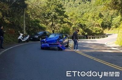 北宜公路再傳自撞!本田S2000過彎打滑撞山壁 輪胎鎖死停路中
